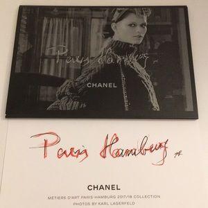 CHANEL PARIS-HAMBOURG '17/18 MÉTIERS D'ART Booklet